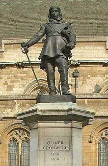 Statua di Cromwell all'ingresso del Palazzo di Westminster, Londra.